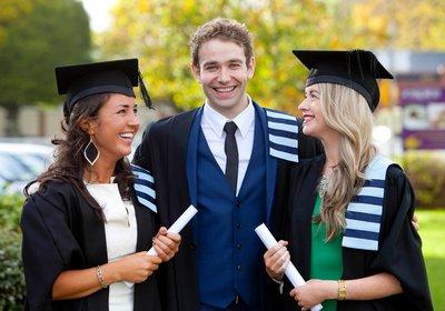 4159_rsz_4155_graduates_pme2.jpg
