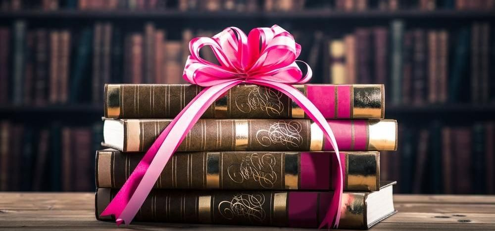8 perfect present ideas for law students